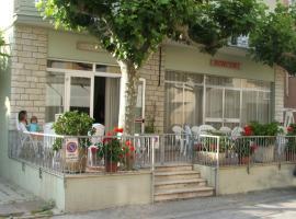 Hotel Ronconi, hotel a Rimini, Marebello