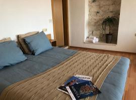 Guest House Dijana, pet-friendly hotel in Korčula