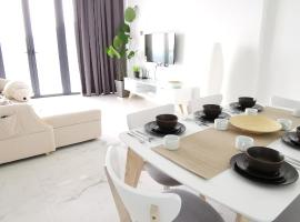 SEAVIEW ArteS 3BR Family, walk to USM, Washer, 8pax, hotel with jacuzzis in Gelugor