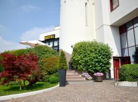 Hotel Da Franco, hotell i Nogarole Rocca