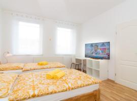 Private apartments with direct subway entrance, hotel near Lorenzkirche underground station, Fürth