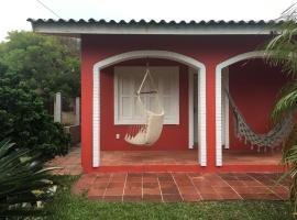 Casa em Tramandaí a 250 m da praia, holiday home in Tramandaí