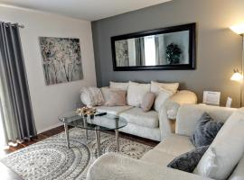 Delightful Townhome - Central Raleigh Location, apartment in Raleigh