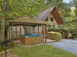Trout Valley Lodge, villa in Sevierville