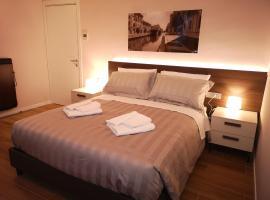 2 Navigli, camera con cucina a Milano