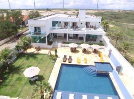Pousada Mar Aberto, hotel with pools in Beberibe