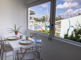 Beau 3 pièces a la marina des 3 ilets, spa hotel in Les Trois-Îlets