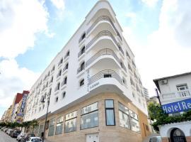 Hotel El Djenina, hotel in Tangier