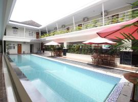 RedDoorz Syariah Plus @ Jakal Bawah 3, guest house in Yogyakarta