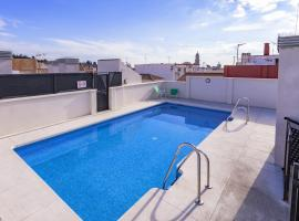 City Centre Rooftop Pool & Parking