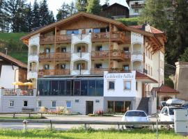 Hotel Goldener Adler, hotel a Curon Venosta