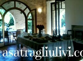 B&B La Casa tra gli Ulivi, bed & breakfast a Civitanova Marche