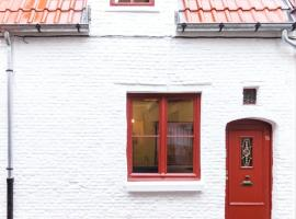 Romantic 16th century workers house, vakantiehuis in Gent