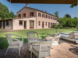Badia Agriturismo, hotel in zona Arena Adriatica, La Torraccia