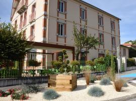 Hotel Restaurant de la Poste、Saint-Just-en-Chevaletのホテル