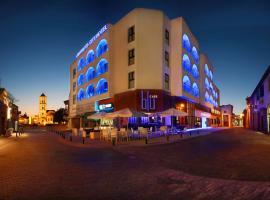 Livadhiotis City Hotel, hotel in Larnaca