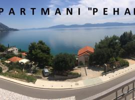 Apartments PEHAR, hotel in Podaca