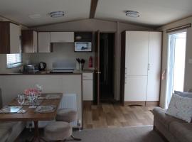 3 Bed Static Caravan @ Hoburne Devon Bay, hotel in Paignton