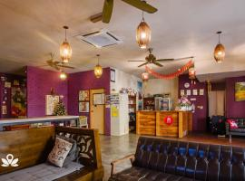 The Explorers Guesthouse and Hostel, guest house in Kuala Lumpur