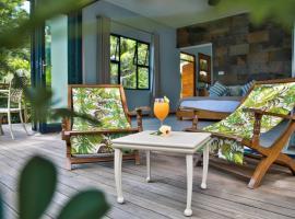 Domaine Desaubin Luxury Villas, guest house in Mahe