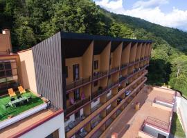Weekend H520 Hostel, hostel in Estosadok