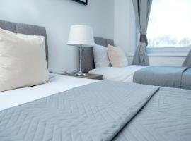 Falconer Rise, hotel in Livingston