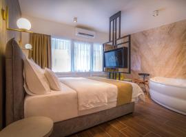 Level Luxury Suites: Belgrad'da bir Oda ve Kahvaltı