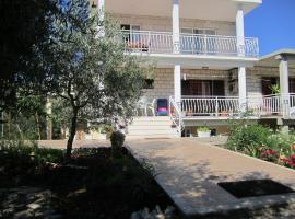 Apartments Biočić, hotel in Korčula