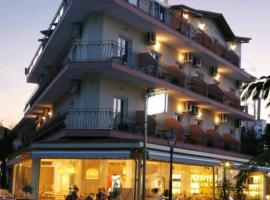 Plaza Hotel: Chaniotis şehrinde bir otel