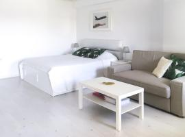 Airport Residence - Across from Otopeni Airport, hotel din Otopeni