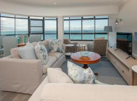 The Sun,Whales and Waves seafront apartment, hotel in Hermanus