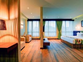 Udaan Clover Hotel Banquet & Spa, hotel near Bagdogra Airport - IXB, Siliguri