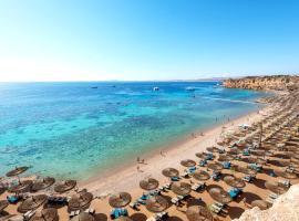 Reef Oasis Beach Resort, готель біля визначного місця Маяк Аль Фанар, у Шарм-ель-Шейху