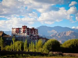 Stok Palace Heritage, family hotel in Leh