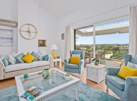 Luxurious 3 bed Apartment in central Algarve, hotel near Vila Sol Golf Course, Vilamoura