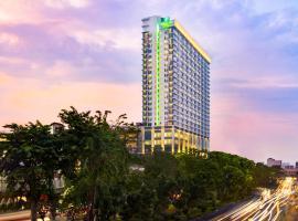Holiday Inn & Suites Jakarta Gajah Mada, an IHG hotel, hotel near Plaza Senayan, Jakarta
