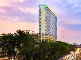 Holiday Inn & Suites Jakarta Gajah Mada, hotel near Plaza Senayan, Jakarta