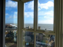 Fabulous Apartment with uninterrupted sea view, hotel in Hastings