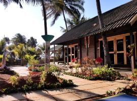 The Yuppi Hippi Premium Huts, luxury tent in Anjuna