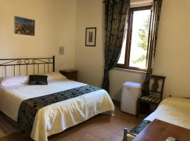 Villa Tuscany Siena, guest house in Siena