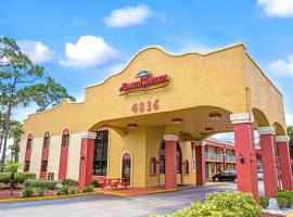 Howard Johnson by Wyndham Lake Front Park Kissimmee, motel in Kissimmee
