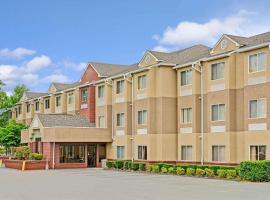 Microtel Inn by Wyndham Lake Norman, hotel in Cornelius