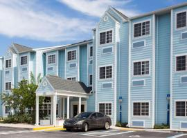 Microtel Inn and Suites by Wyndham Port Charlotte, hotel in Port Charlotte