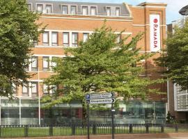 Ramada Hounslow - Heathrow East, hôtel à Hounslow