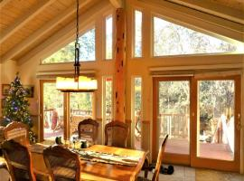 Dream Getaway with Secluded Spa, villa in Big Bear Lake
