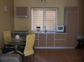 """Апартаменты """"ПоллиАнна"""", пляжный отель в Якты-Куле"""