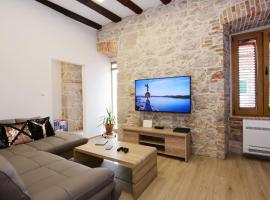 The XY Suites - Boutique Apartments, hotel near Aquarium Sibenik, Šibenik