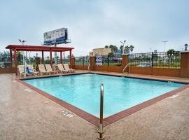 Galveston Inn & Suites Hotel, hotel in Galveston