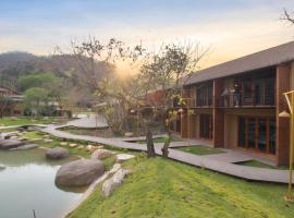 Isaan Isan Boutique Resort Khaoyai by Andacura, hotel in Mu Si