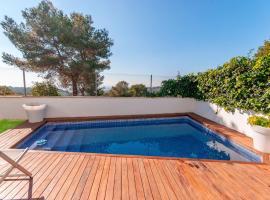 Gorgeous Villa in Canyelles Spain near Mediterranean Sea, hotel in Canyelles